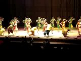 Индийский танец (найдите Олега ;) )